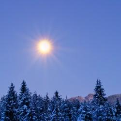Der Mond strahlt