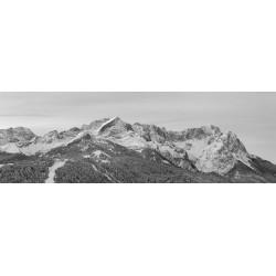 Zugspitze und Alpspitze im Winter - schwarz weiß