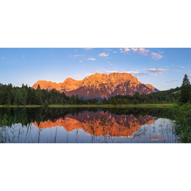 Alpenglühen am Luttensee - Karwendelspiegelung