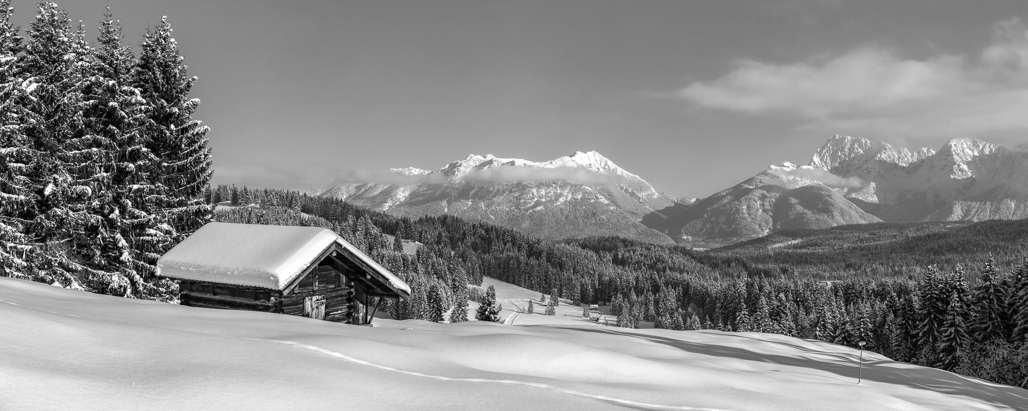 Elmauer-Alm Wintertraum schwarz-weiß