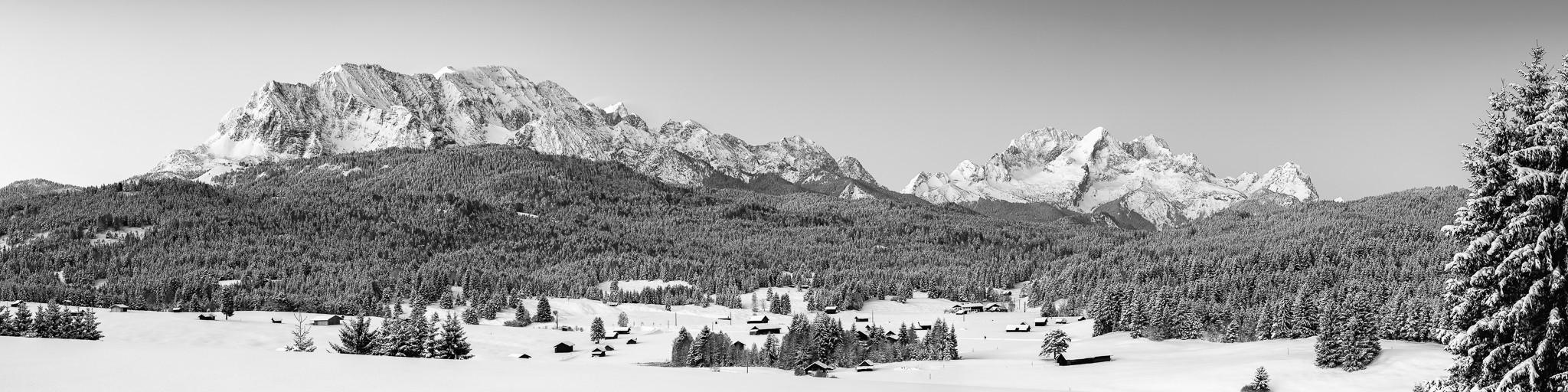 Wettersteingebirge im Winter  -  schwarz-weiß