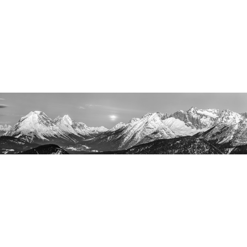 Leutasch - Hohe Munde mit Vollmond  schwarz-weiß