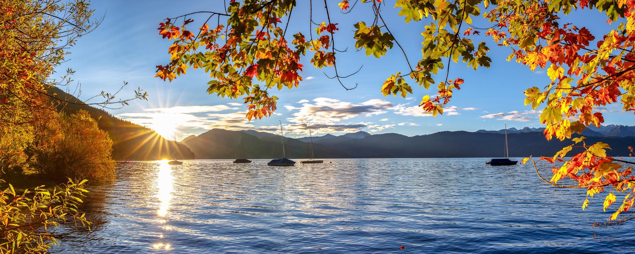 Sonnenaufgang am Walchensee - Herbst