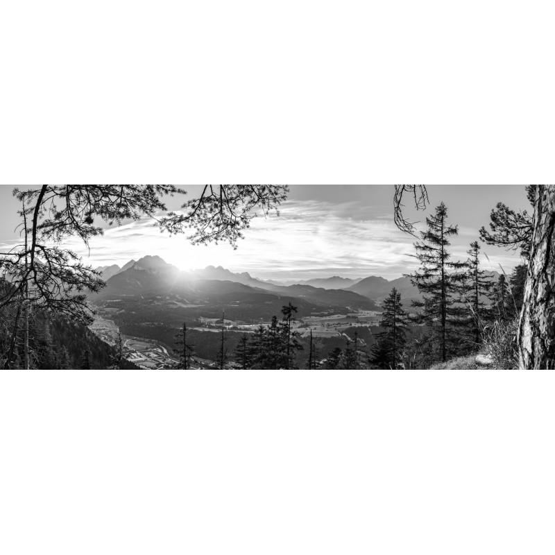 Mittenwald und Wettersteingebirge schwarz weiß