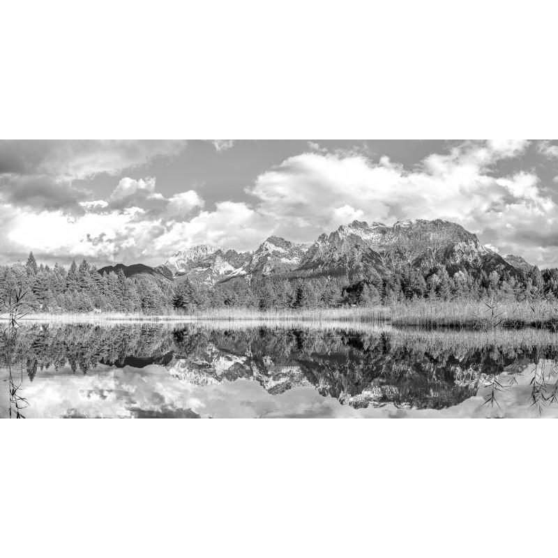 Karwendel im Luttensee  -  schwarz weiß